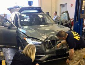 米アリゾナ州で歩行者がはねられ死亡する事故が起きたウーバー・テクノロジーズの自動運転車=3月20日(米運輸安全委員会提供・ロイター=共同)