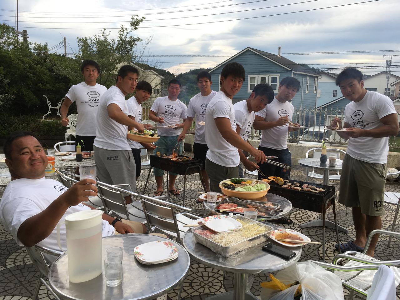 多聞コーチが主催した合宿練習での佐藤選手(中央)と元山選手(右端)