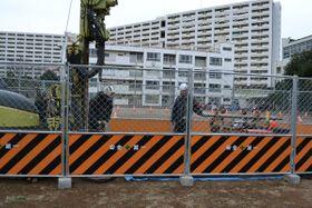 ボーリング調査が続く夜間中学の新校舎建設予定地=17日、川口市