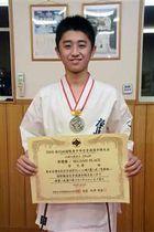 国際青少年空手道選手権大会で準優勝した菅さん
