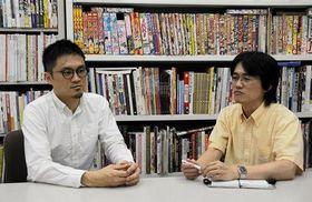 「京アニの損失は計り知れない」と語る崇城大の小川剛准教授(左)と木下裕士助教=熊本市西区