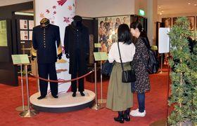 NHK大河ドラマ「西郷どん」で使われた衣装などを新たに展示するコーナー=鹿児島市維新ふるさと館