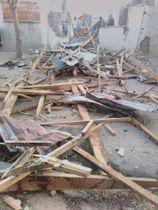 自爆攻撃があった現場=3日、ナイジェリア北東部ボルノ州ガンボル(ロイター=共同)