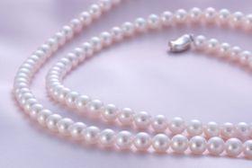 【ふるさと納税の返礼品として好調な真珠製品(鳥羽市提供)】
