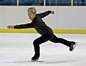 国体に向けて練習する伝井達さん=19日、新潟市中央区の新潟アサヒアレックスアイスアリーナ