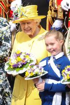 王室関連行事に出席したエリザベス英女王=18日、ロンドン郊外ウィンザー(ゲッティ=共同)
