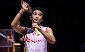 バドミントンの中国オープン、石宇奇にストレート勝ちし、決勝に進んだ桃田賢斗=22日、常州(ゲッティ=共同)
