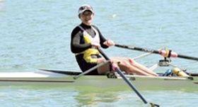 女子シングルスカル決勝で3位に入賞した中山(天竜)=浜松市天竜ボート場