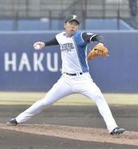 斎藤はイースタン楽天戦で2番手で登板し、安定した投球で0封。試合後は1軍合流のため札幌へ移動。マルティネス離脱で暗雲立ちこめる投手陣の希望の光となる(撮影・近藤裕介)