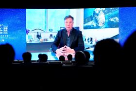 9日、中国上海で開かれた世界人工知能大会の開幕式に、ビデオメッセージを寄せたテスラのマスクCEO(ロイター=共同)