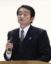 支援団体の集会で講演する地村保志さん=9日午後、福井県坂井市