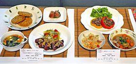 緑川さん組の「Iwakiから始めよう!!広めよう!!Healthy life」(左)と佐藤さん組の「Iwakiの宝船」