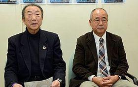 ヒューマンバンド開催への思いを語る小渡代表(左)