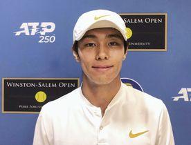 男子テニスのウィンストンセーラム・オープンで2回戦に進んだイ・ダクヒ=ウィンストンセーラム(AP=共同)