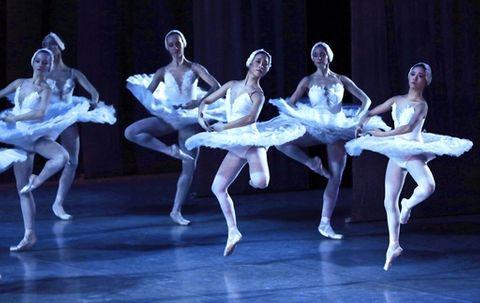 少女に道開いたバレエ