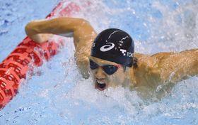 男子100メートルバタフライ(視覚障害S11) 1分1秒35の日本記録で優勝した木村敬一=横浜国際プール