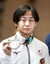 女子50キロ級で銀メダルの入江ゆき=ジャカルタ(共同)