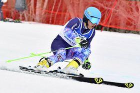 【少年男子大回転】初優勝を果たした中丸(南会津高)=猪苗代スキー場ミネロ