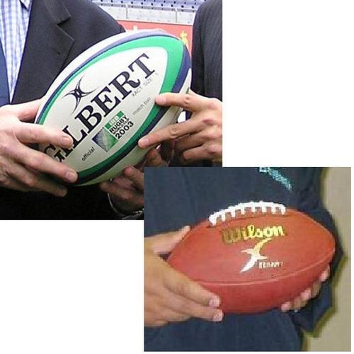 アメリカンフットボール(右)は片手で投げるためラグビーボールより一回り小さく、レース(縫い目)に指がかかるようになっている