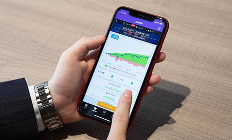 トライオートFXはスマートフォンでも手軽に取引ができる