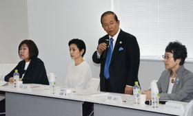 東京都内で第1回会合が開かれた、2020年東京五輪・パラリンピックの大会スローガンを決める「大会モットー選定委員会」=14日午後