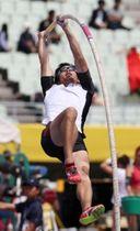 男子棒高跳び 5メートル30で5位に入った荻田大樹