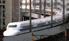1999年3月、デビューした「700系のぞみ」=福岡市