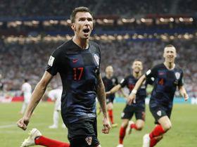 クロアチア―イングランド 延長後半、決勝ゴールを決め喜ぶクロアチアのマンジュキッチ=モスクワ(共同)