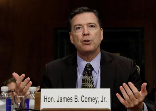 5月3日、米上院司法委員会の公聴会で証言したコミー前長官(ロイター=共同)