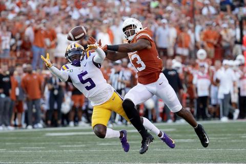 上位が順当勝ち、LSUはテキサスとの激戦制す 米大学フットボール