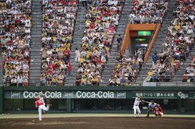 1万2千人を超す観衆が熱戦を満喫したウエスタン・リーグ公式戦「阪神―広島」=倉敷マスカット
