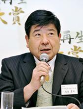 渡辺豊博氏