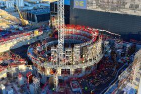 フランスで建設が進む国際熱核融合実験炉(ITER機構提供・共同)