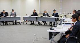 原子力規制委員会の定例会合=23日午前、東京都港区