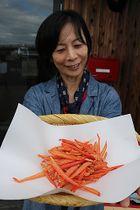 新湊産ベニズワイガニの新物で製造した「越の干蟹」