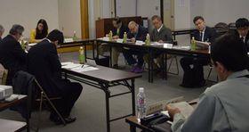 被害が深刻なウツクシマツ自生地の保全について議論された有識者委会合(湖南市中央1丁目・サンライフ甲西)