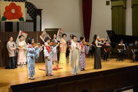 浅草オペラ版歌劇「椿姫」の一場面=東京・上野の旧東京音楽学校奏楽堂