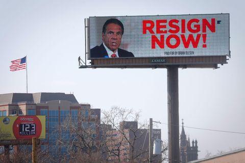 米NY知事、セクハラ疑惑を謝罪