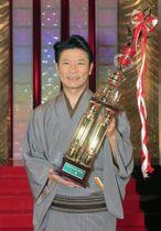 NHK新人落語大賞に選ばれた桂三度さん=22日、東京都渋谷区のNHKふれあいホール