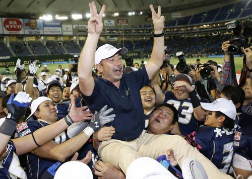 91年の日大に並び、社会人では初のライスボウル3連覇を達成したオービックの大橋誠ヘッドコーチ=3日、東京ドーム