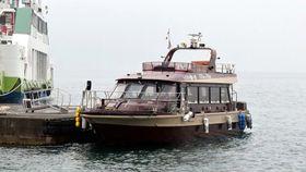竹原港と大久野島を結ぶ新航路の小型船。新型コロナウイルスの感染拡大の影響で減便した