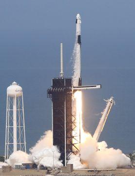 米、9年ぶり有人宇宙飛行