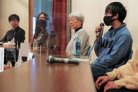 不登校や引きこもりを経験した若者や親が、体験や思いを語り合ったパネル討論=五島市三尾野1丁目、福江総合福祉保健センター
