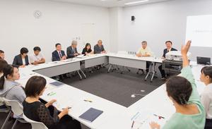 中学校の教職員を対象にした糖尿病の出前講座(日本糖尿病協会提供)