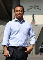 高校生年代の普及育成に携わる日本ラグビー協会・竹山さん=秩父宮ラグビー場