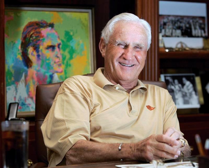 2007年11月、フロリダ州にある自宅でインタビューに答えるドン・シューラ氏(AP=共同)