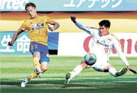 仙台―清水 前半20分、先制ゴールを決める仙台・関口(左)(小林一成撮影)