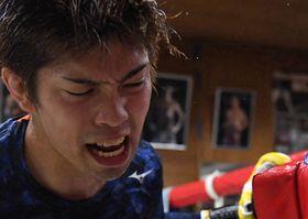 ボクシングジムで練習する田中恒成=7月25日、名古屋市