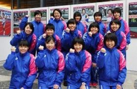 3年連続入賞に向け、気合を入れる岡山県チーム=京都市