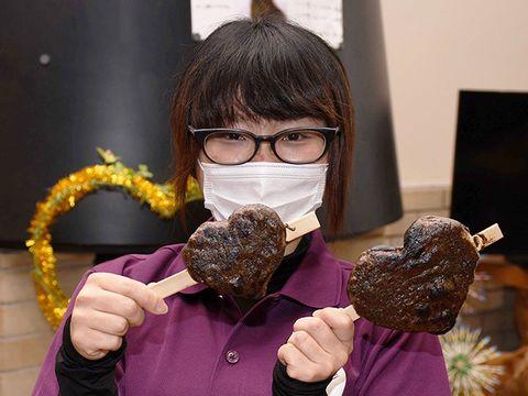 大切な人と食べたい「ハート型の五平餅」 下呂市の温泉施設が販売